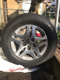 Michelin Defender 235/65R16 on 2005 Honda Odyssey rims price is negotiable
