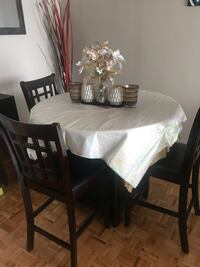 Coffee Bar Table & 3 chairs Mississauga, L5R 3E5