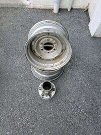 15x8 Chevy 6 lug wheels with caps Winchester, 22602