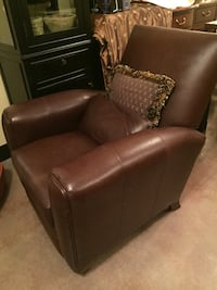 Leather recliner with pillows Midlothian, 23113