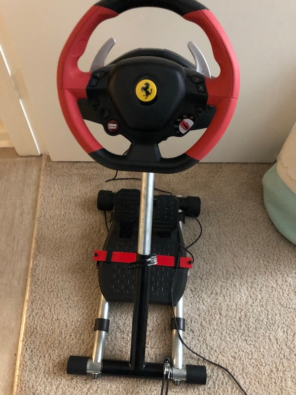 Thrustmaster Ferrari 458 Spider Racing Wheel With Stand For Xbox One