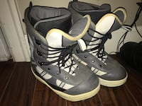 Old Snowboarding Boots - Female