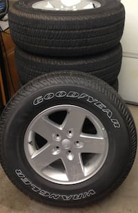 Jeep JK stock Tires and wheels