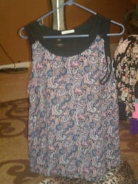 white and blue floral scoop-neck sleeveless top Oklahoma City, 73159