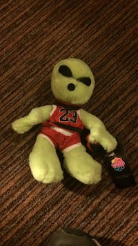 Plush alien michael jordan