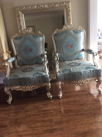 Set of 2 royal look chairs Milton, L9T