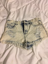 Jean shorts- forever 21