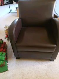 black leather padded sofa chair Fort Washington, 20744