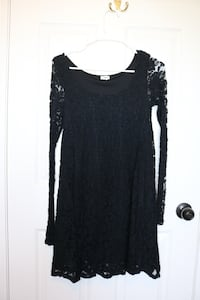 Garage Black Lace Dress- size xsmall, EUC  Barrie, L4N