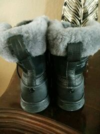 pair of black-and-gray duck boots Salinas, 93906