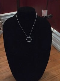 Circle pendant necklace  Oakville, L6H 1Y4