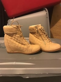 Tan wedge sneakers  Washington, 63090