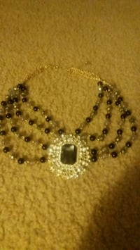 Ladies necklace Pikesville, 21208