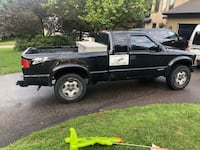 2003 Chevrolet S-10 4WD Extended Cab Base w/3rd Door Blaine
