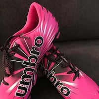 NEW- Girls Soccer Cleats -Size 4 1/2 Frederick, 21704