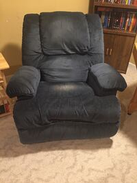 Recliner with massage  Leesburg, 20176