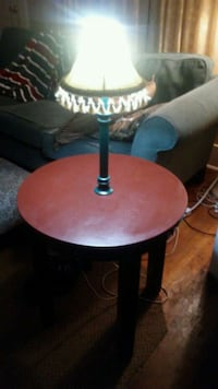 CUSTOM MADE END TABLE WITH LAMP MOUNTED IN CENTER Elkhart, 46514
