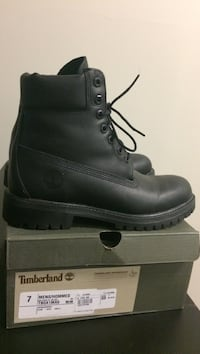 Timberland men's boots never used , size 7. Can delivered any expo line skytrain station New Westminster, V3M
