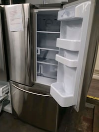 33IN. SAMSUNG STAINLESS STEEL FRENCH DOORS FRIDGES WORKING PERFECTLY