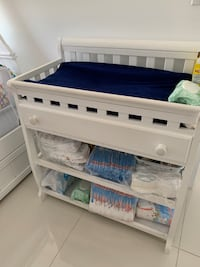 changing table withe