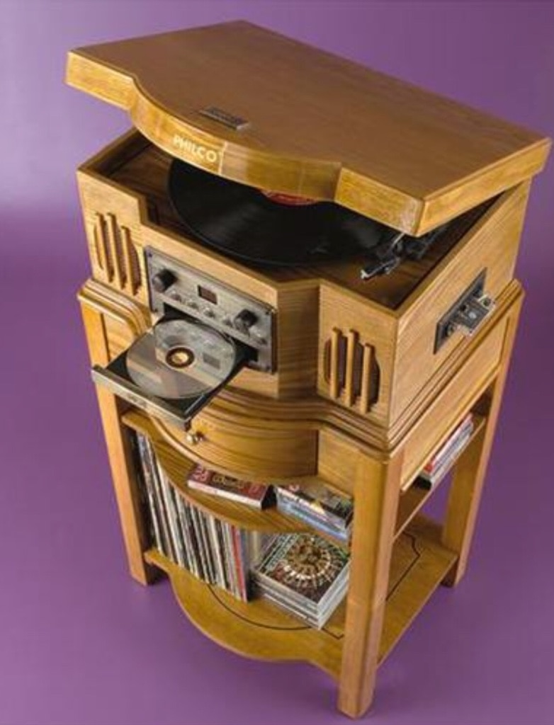 Philco 841.205 Turntable CD W/ Cassette Phonograph Shelf System
