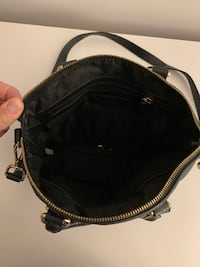 Medium sized Black Michael Kors Bag - MINT Condition Kitchener