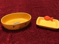 2 sets of matching cat bowls