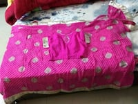 red and white floral bed sheet Gurugram, 122001
