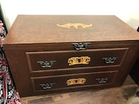 Large solid wood trunk - 4ft by 2ft Guelph, N1G