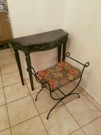 Vanity table and stool seat California City, 93505