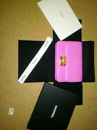pink and black leather wallet Vancouver, V6A 4G8