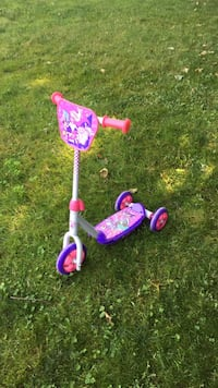 toddler's purple and pink kick scooter East Gwillimbury, L0G 1V0