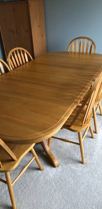 Dining  room table w6chairs Carsonville, 48419