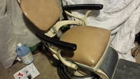 Dentist chair in good shape works well