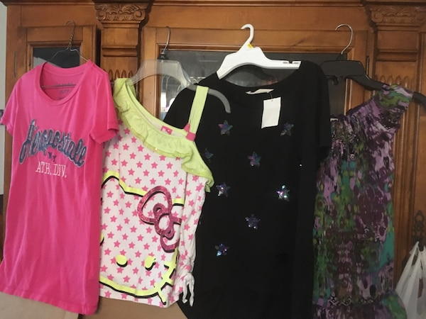 Girls sz 14/16, Large and XS Lot