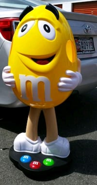 Rare Yellow M&M Collectible Candy Store Display Wi Gaithersburg, 20886