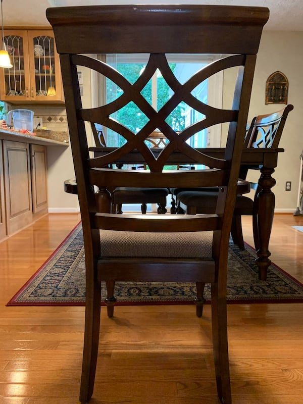 All Wooden Table and 6 chairs - FAIR CONDITION 663067ed-bc20-4475-953e-e2cd92150921