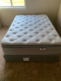 Full Size Pillow Top w/Box Spring  Omaha, 68127