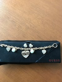 silver-colored Guess chain necklace with box Winnipeg, R2M 0S3