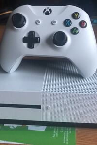 Xbox one s Dorval, H9S 1W4