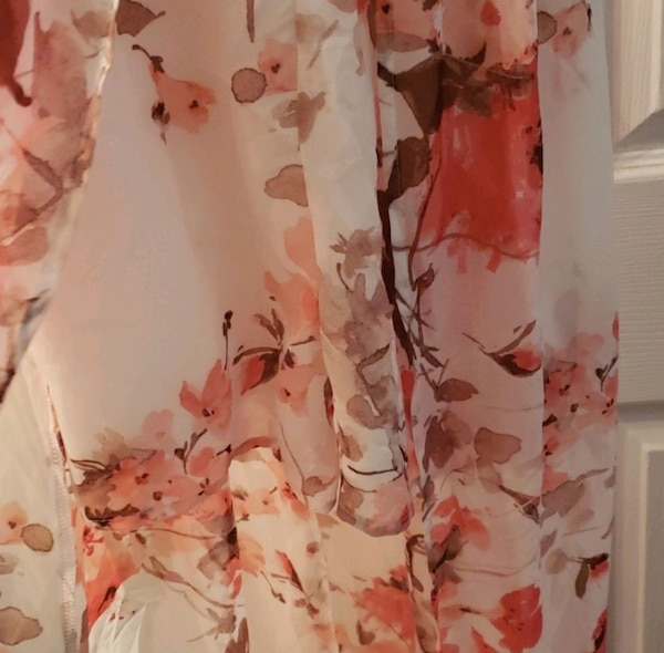Romper Floral pink and white with shorts built  5f157454-c282-4a75-ae32-ad516475550d