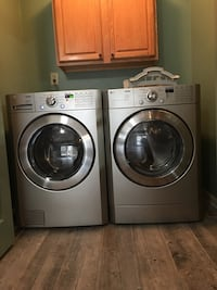 Washer and Dryer  291 mi