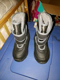 Toddler Snow boots size 7/8 M