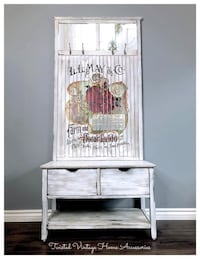 Rustic Farmhouse Style Entry Bench