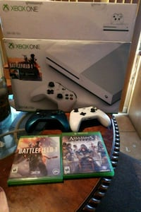 Xbox One console with controller and game cases Pharr, 78577