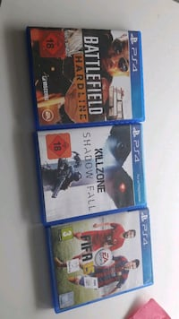 drei Sony PS4 Game Cases Stuttgart, 70176