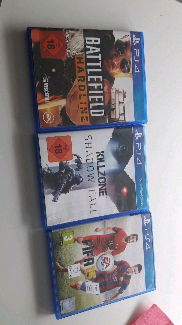 drei Sony PS4 Game Cases