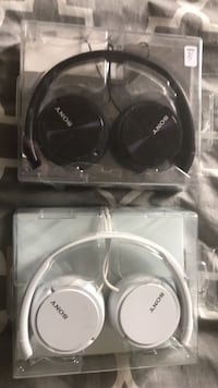 Sony new wired headphones black and white Available Toronto, M3C 1V4