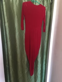 women's red and green sleeveless dress
