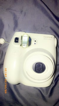 mini polaroid camera white